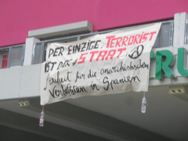 """""""Le seul terroriste c'est l'Etat (A) Liberté pour les anarchistes arrêtés en Espagne"""""""