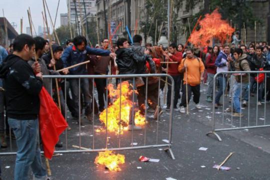 les staliniens aux molotovs