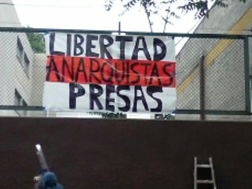 """""""Liberté pour les prisonniers anarchistes"""""""