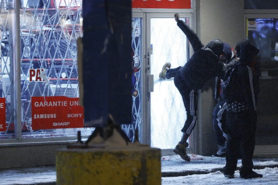 1169952-manifestation-destinee-denoncer-brutalite-policiere