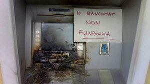 bancomat-incendiato-2-2
